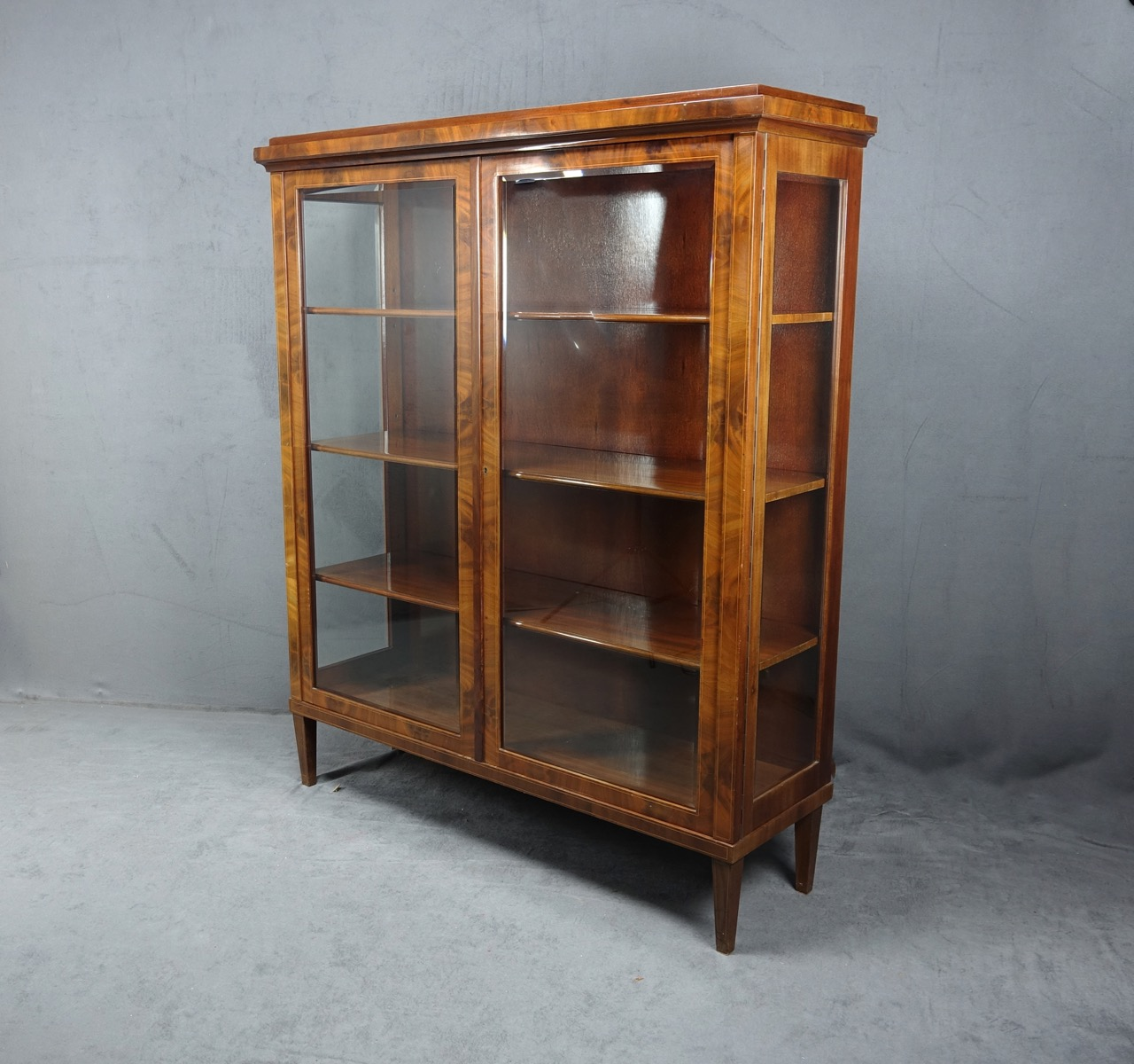 art deco vitrine mahagoni fadeneinlagen rundumverglast fascettschliff um 1928 ebay. Black Bedroom Furniture Sets. Home Design Ideas
