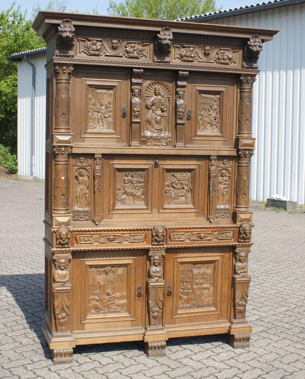 sensationeller renaissance schrank barockschrank aus. Black Bedroom Furniture Sets. Home Design Ideas